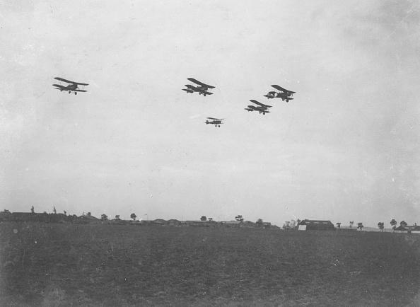 Airplane「SE5 Formation」:写真・画像(8)[壁紙.com]