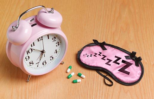 Sleeping Pill「Pink alarm mask and sleeping pills」:スマホ壁紙(13)