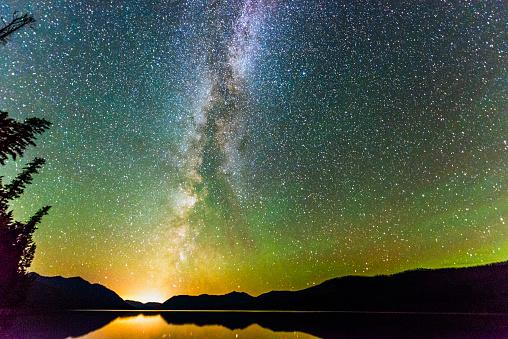 McDonald Lake「Majestic Night Sky Illuminated with Stars and Milky Way Landscape」:スマホ壁紙(13)