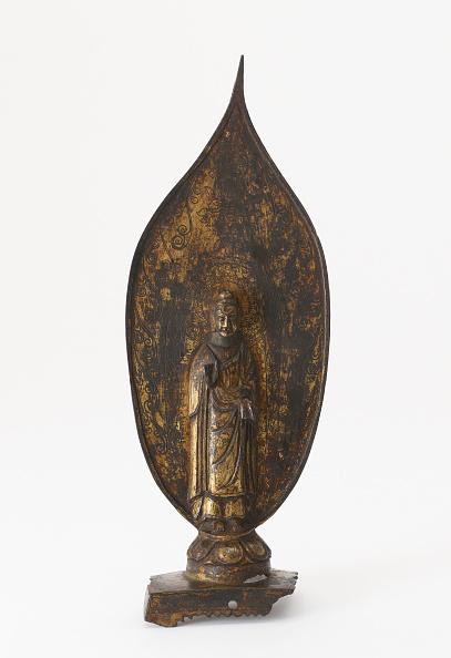 White Background「Standing Buddha」:写真・画像(0)[壁紙.com]