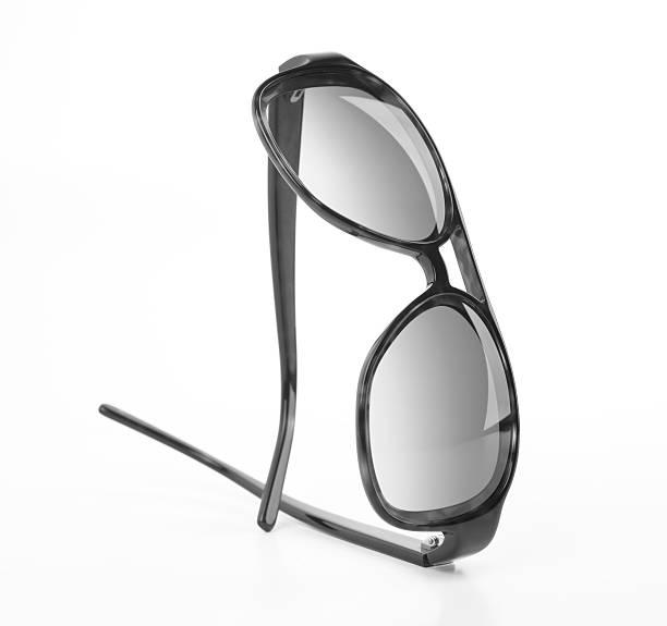 Black Rimmed Spectacles:スマホ壁紙(壁紙.com)