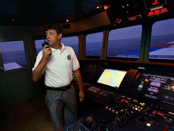 Electrical Equipment「Merchant Marines Train With Simulator Against Pirate Attacks」:写真・画像(5)[壁紙.com]