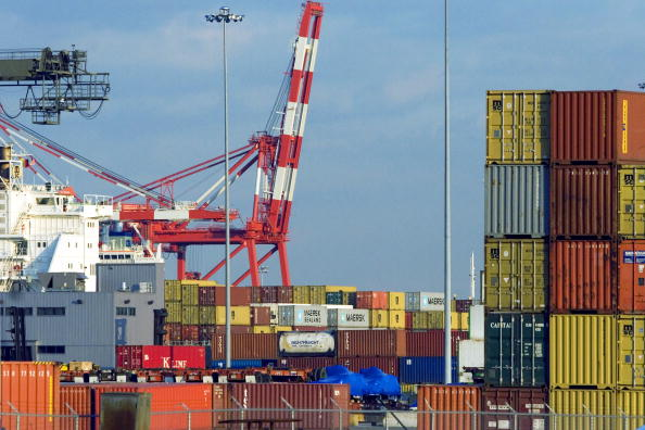 Cargo Container「Operations At Six Major U.S. Ports To Be Taken Over By Arab-Owned Firm」:写真・画像(17)[壁紙.com]