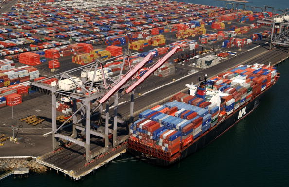 Cargo Container「West Coast Ports Remain Closed Amid Labor Dispute 」:写真・画像(2)[壁紙.com]