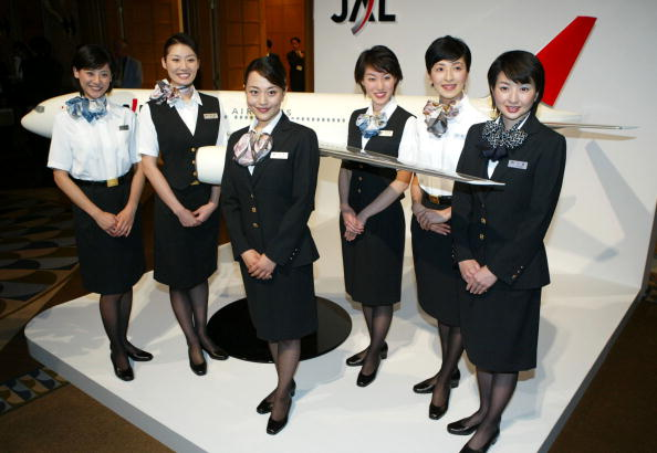 Uniform「Japan Airlines Systems Flight Attendants Wearing Newly Designed Uniform」:写真・画像(2)[壁紙.com]