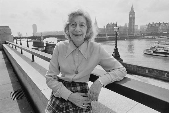金融と経済「Gladys Dimson」:写真・画像(11)[壁紙.com]