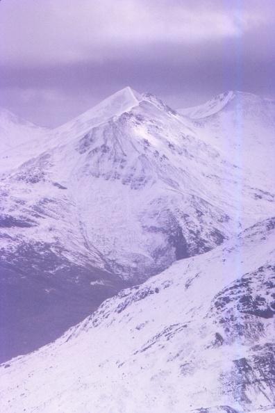 Overcast「An Garbhanach Seen From Coire Guibhsachan」:写真・画像(17)[壁紙.com]