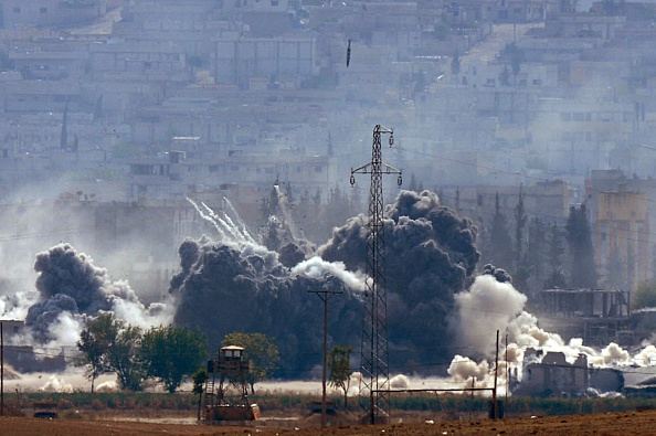 Ayn al-Arab「Syrian Kurds Battle IS To Retain Control Of Kobani」:写真・画像(13)[壁紙.com]