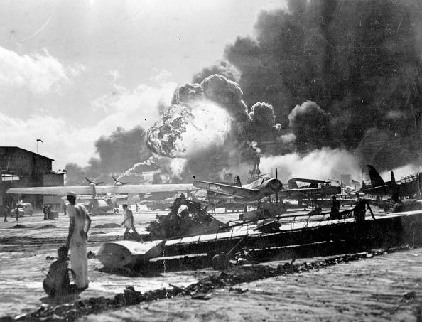 Exploding「Pearl Harbor Attack」:写真・画像(3)[壁紙.com]