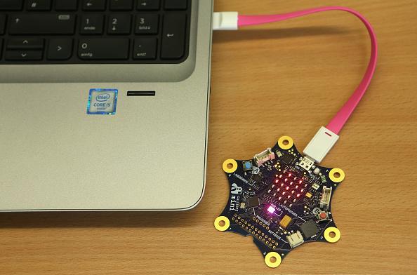 金融と経済「Google Supports Mini Computers For Berlin Schools」:写真・画像(3)[壁紙.com]