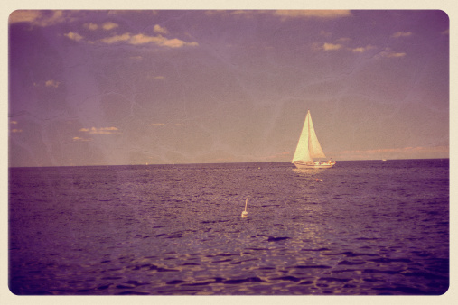 Souvenir「White Sailboat on Purple Ocean, Sky - Vintage Postcard」:スマホ壁紙(7)