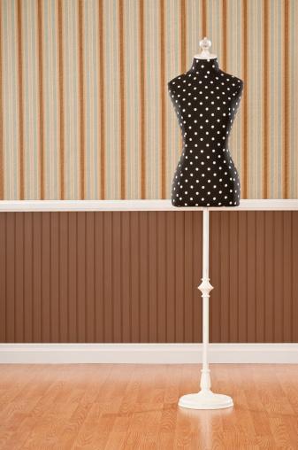 Yellow Dress「Vintage Dress Form」:スマホ壁紙(12)
