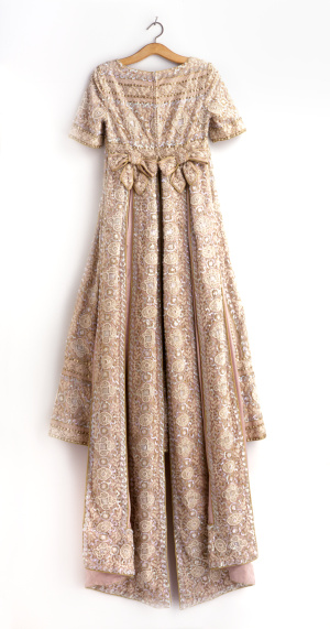 Floral Pattern「vintage dress on hanger」:スマホ壁紙(13)