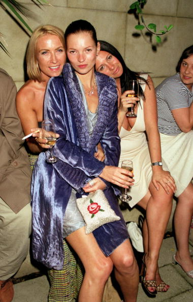 Vogue Magazine「Kate Moss At Vogue Magazine Party, 1998, London」:写真・画像(4)[壁紙.com]