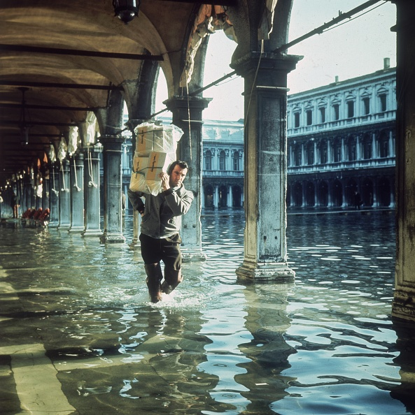 Carrying「Piazza San Marco」:写真・画像(17)[壁紙.com]