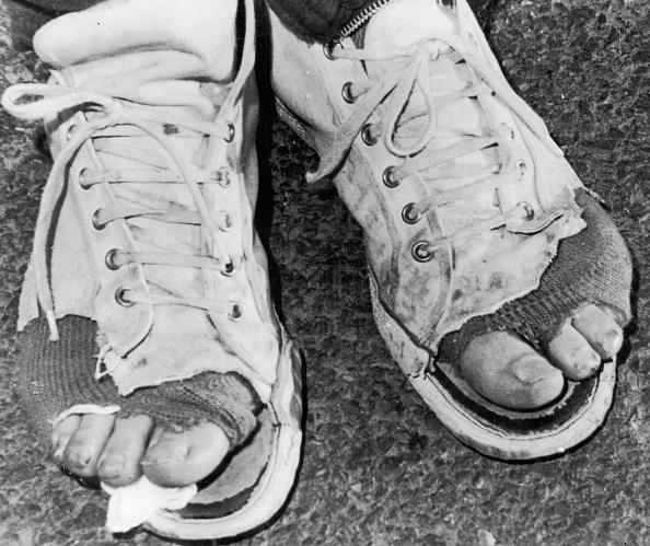 靴「Old Shoes」:写真・画像(2)[壁紙.com]