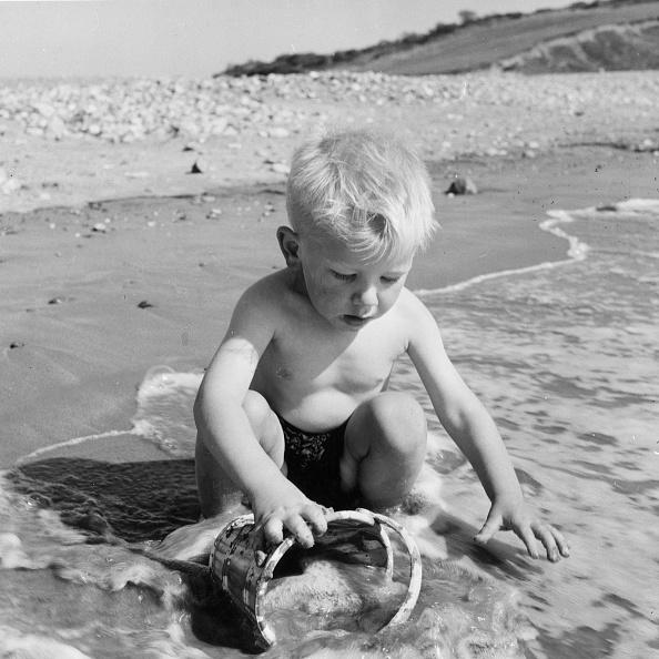 プレーする「Beach Baby」:写真・画像(6)[壁紙.com]