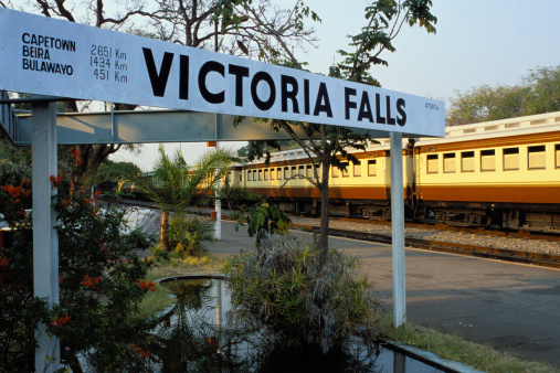 Passenger「Vintage train at Victoria Falls station」:スマホ壁紙(8)