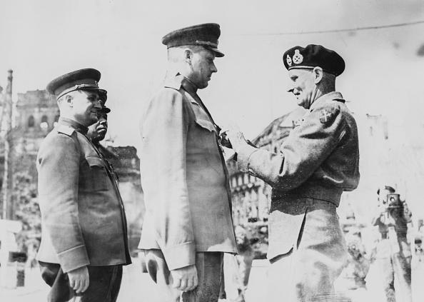 Fred Ramage「Field Marshal Montgomery And Marshal Rokossovsky」:写真・画像(9)[壁紙.com]