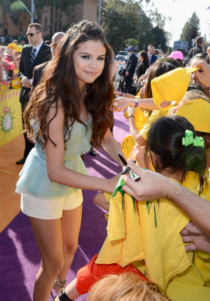 White Shorts「Nickelodeon's 26th Annual Kids' Choice Awards - Arrivals」:写真・画像(2)[壁紙.com]