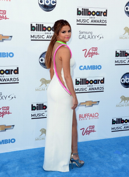 Slit - Clothing「2013 Billboard Music Awards - Arrivals」:写真・画像(13)[壁紙.com]