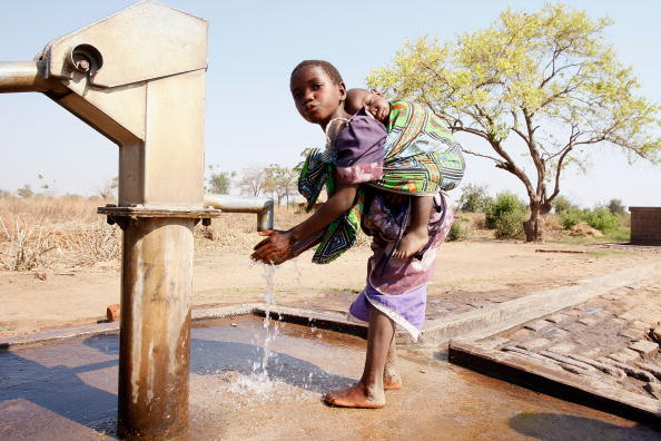 Water「HELP Malawi Partners With Wilderness Safaris To Aid Africa」:写真・画像(19)[壁紙.com]