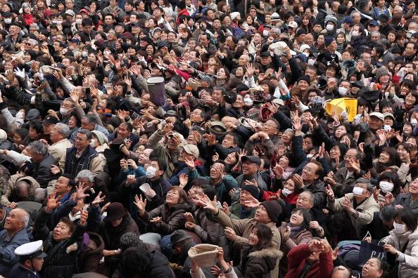 Setsubun「Bean Scattering Ceremony Held To Celebrate The Coming Of Spring」:写真・画像(15)[壁紙.com]