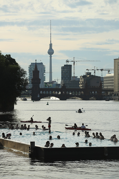 Swimming Pool「Summer In Berlin」:写真・画像(10)[壁紙.com]