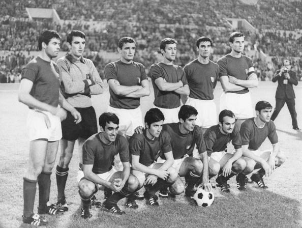Soccer「Italy v Yugoslavia」:写真・画像(3)[壁紙.com]