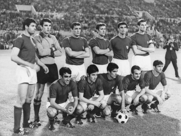 Soccer「Italy v Yugoslavia」:写真・画像(14)[壁紙.com]