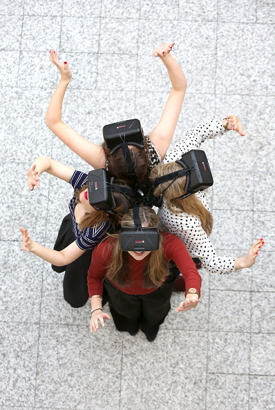 Headset「Westfield Introduce World-First Oculus Rift Virtual Reality Ahead Of 'Future Fashion' Event」:写真・画像(11)[壁紙.com]