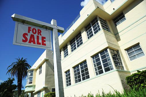 Miami Beach「ブランク不動産の看板にアールデコ様式の建物」:スマホ壁紙(5)