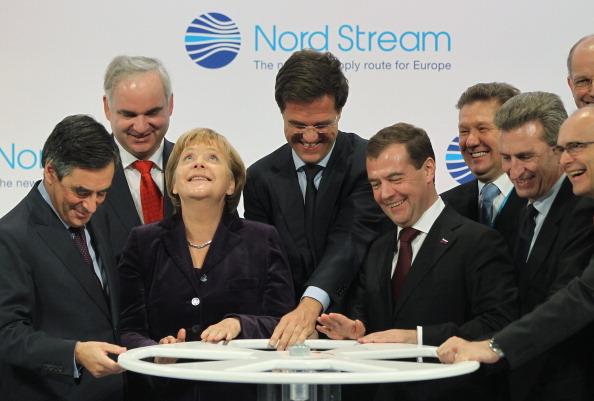 Dutch Prime Minister「Merkel And Medvedev Inaugurate Nord Stream Gas Pipeline」:写真・画像(13)[壁紙.com]