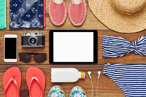 Flip-Flop「Flat lay of digital tablet surrounded with beach accessories」:スマホ壁紙(11)