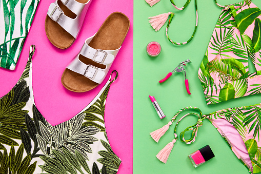 Color Block「Flat lay of fashion and beauty accessories on colored background」:スマホ壁紙(16)