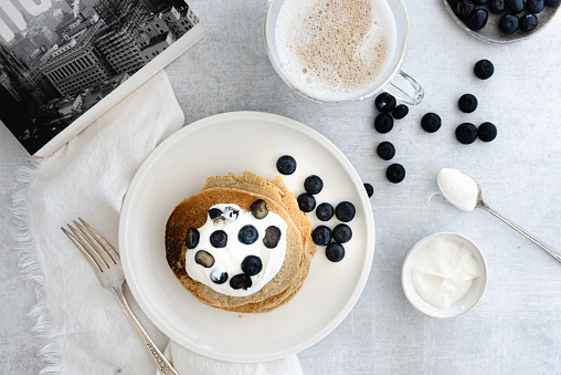Maple Syrup「Flat lay of Healthy oatmeal pancakes with yogurt and blueberries on top」:スマホ壁紙(12)