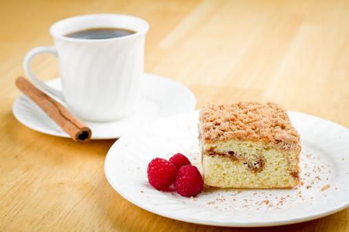 Cinnamon「Coffee Cake with Cinnamon and Raspberries」:スマホ壁紙(1)