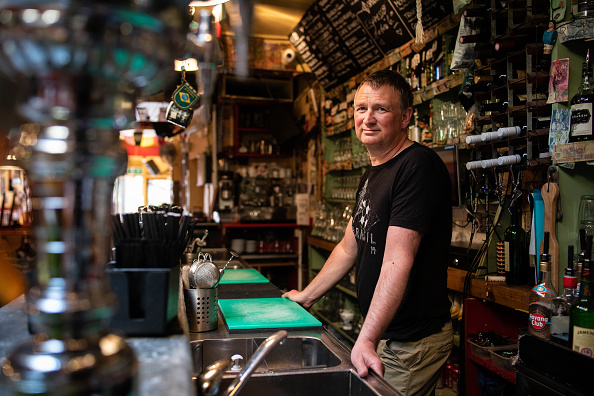 Owner「Coronavirus Lockdown Forces London's Small Businesses To Make Hard Choices」:写真・画像(13)[壁紙.com]