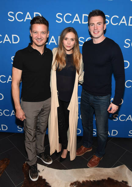 俳優「WIND RIVER Special Screening With Jeremy Renner, Elizabeth Olsen, Robert Downey Jr. And Chris Evans At SCADShow」:写真・画像(11)[壁紙.com]