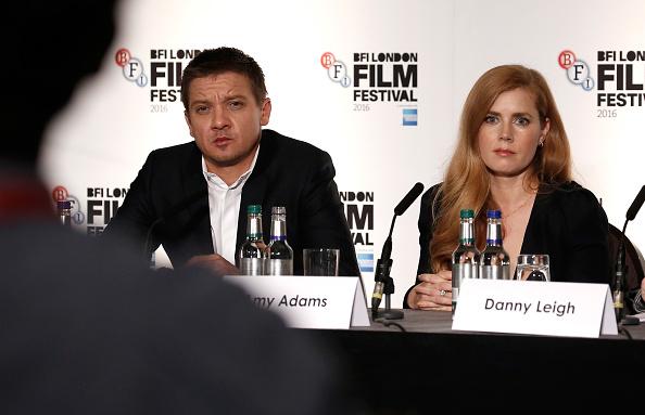 Jeremy Renner「'Arrival' - Press Conference - 60th BFI London Film Festival」:写真・画像(15)[壁紙.com]