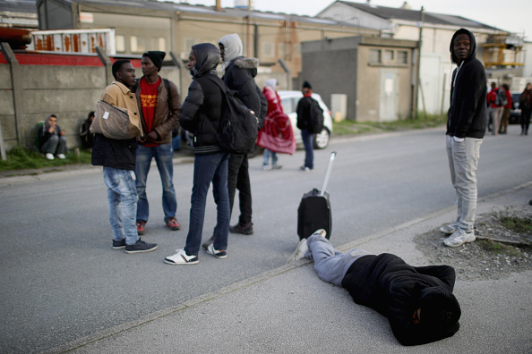 Calais「Large Scale Demolition Of The Calais Migrant Camp Begins」:写真・画像(5)[壁紙.com]