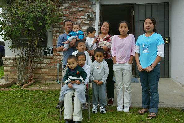 Miao Minority「Vang Family Living In The U.S.A」:写真・画像(1)[壁紙.com]