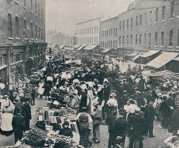 East London「'Petticoat Lane - The Sunday Morning Market In Full Swing', 1901」:写真・画像(8)[壁紙.com]