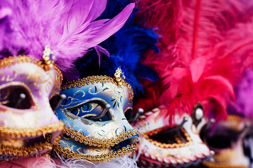 Carnival - Celebration Event「Row of masks on display in Venice」:スマホ壁紙(6)