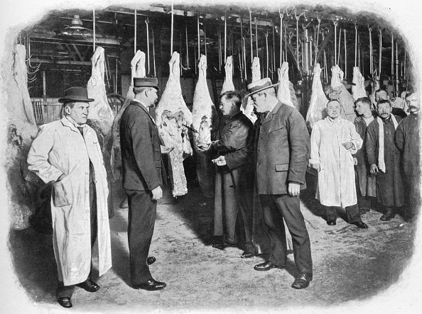 Edwardian Style「Inspecting meat at Smithfield Market, City of London, c1903 (1903)」:写真・画像(14)[壁紙.com]