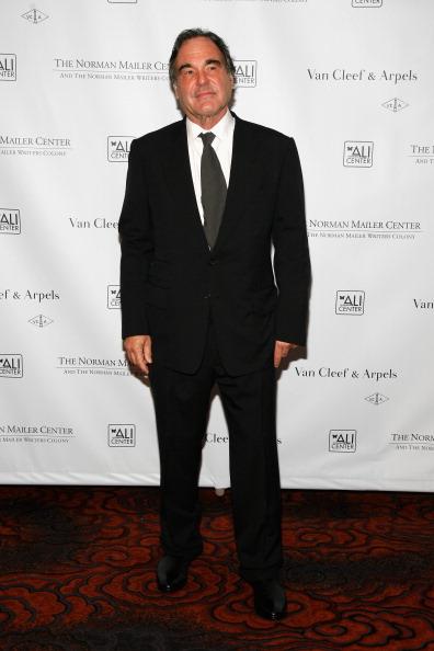 Black Blazer「Norman Mailer Center 4th Annual Benefit Gala - Arrivals」:写真・画像(7)[壁紙.com]
