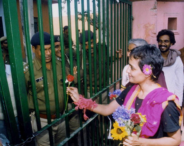 Delhi「Author and Activist Arundhati Roy Relesed from Jail」:写真・画像(15)[壁紙.com]