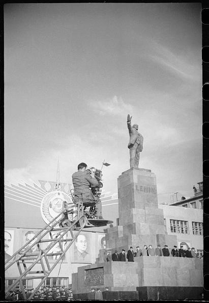 Max Penson「On The Red Square」:写真・画像(13)[壁紙.com]