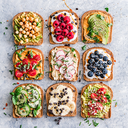 Radish「Healthy toasts with fruit and vegetables」:スマホ壁紙(0)