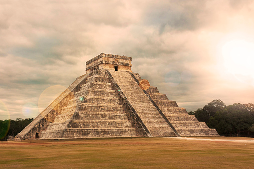 Latin American Civilizations「Kukulkan Pyramid in Chichen Itza Site」:スマホ壁紙(12)